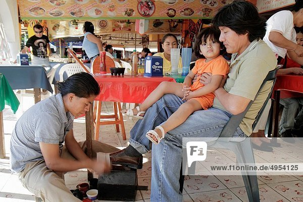 Arbeitsvermittlung  Frau  Mann  Menschlicher Vater  Beruf  Hispanier  Restaurant  Mexiko  Tochter  polieren  Mädchen  Business  Cancun  polnisch  Quintana Roo