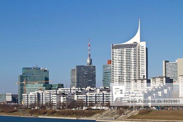 Österreich  Wien  Donauturm  Blick auf Skyline und Turm