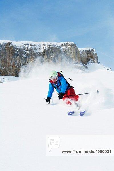 Österreich  Kleinwalsertal  Skifahren Frauen