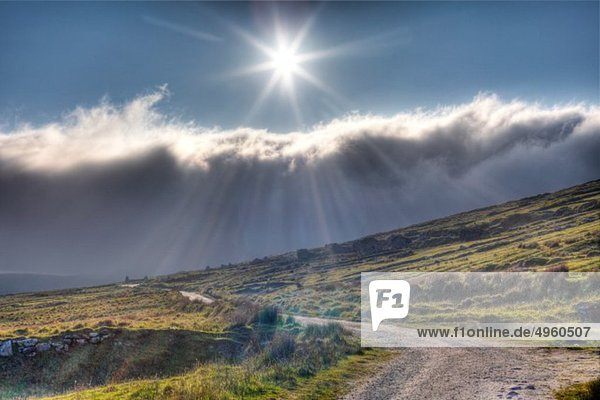 Irland  Provinz Connacht  Grafschaft Mayo  Blick auf das verlassene Dorf Slievemore