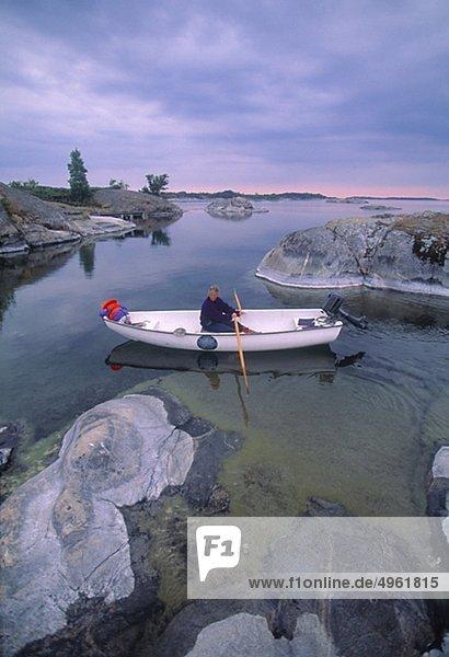 Menschen Bootfahren auf See