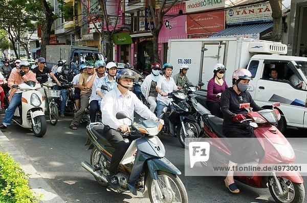 Großstadt  Motorrad  Straßenverkehr  Vietnam
