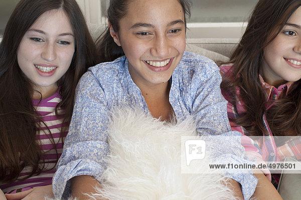 Jugendlicher  sehen  Couch  Fernsehen  Mädchen