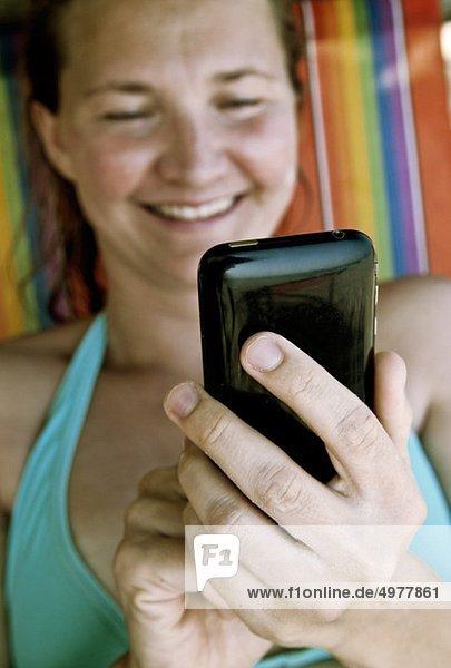 Frauen mit Handy
