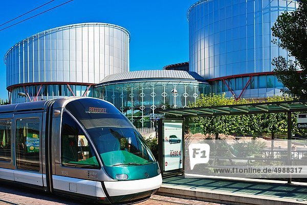 Frankreich  Ende  Straßenbahn  Mann  Elsass  einstellen  Straßburg Frankreich ,Ende ,Straßenbahn ,Mann ,Elsass ,einstellen ,Straßburg