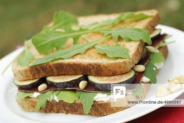 Feigen und Bündner Fleisch Sandwich