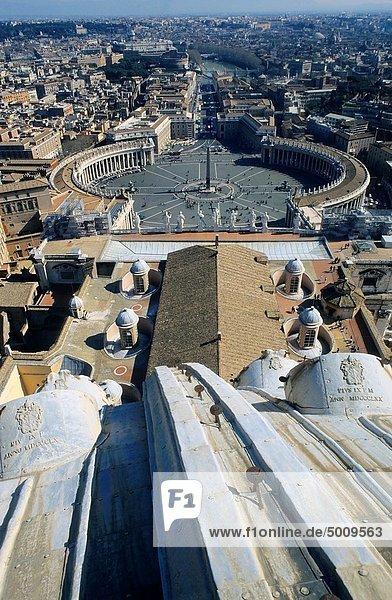 Rom  Hauptstadt  sehen  über  Gebäude  Großstadt  Quadrat  Quadrate  quadratisch  quadratisches  quadratischer  Heiligtum  Italien  Vatikan