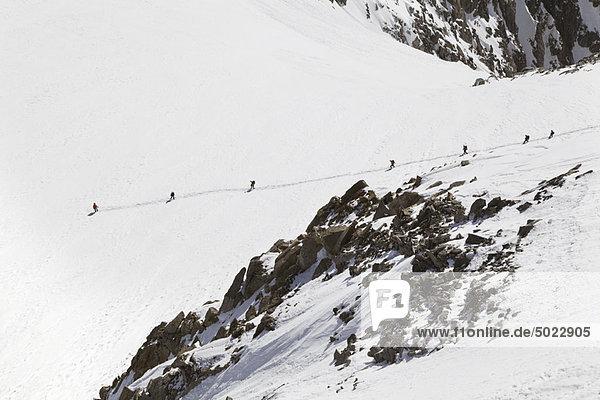 Berg  bedecken  Mensch  Menschen  wandern  Schnee