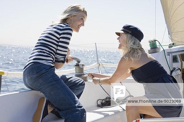 Segeln  Frau  lächeln  Boot
