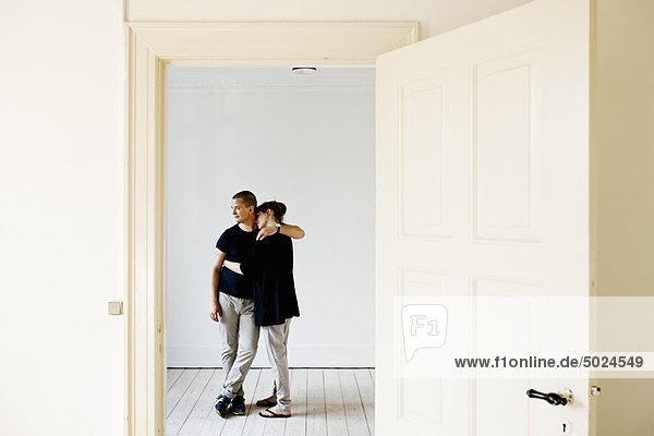umarmen Eigentumswohnung neues Zuhause