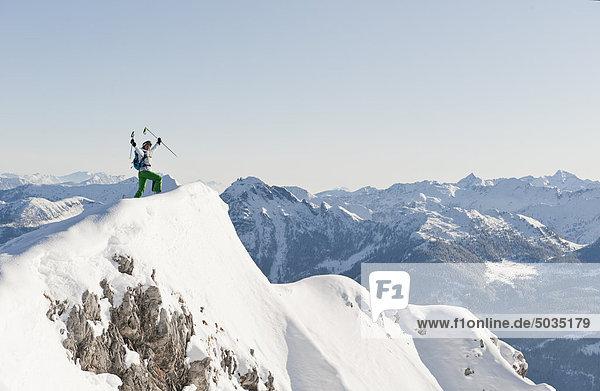 Österreich  Salzburg  Altenmarkt-Zauchensee  Österreichische Skifahrerin