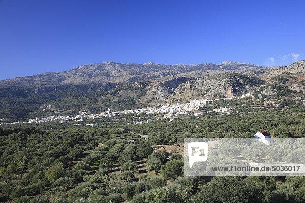 Griechenland  Kreta  Kritsa  Blick auf das Dorf am Berg
