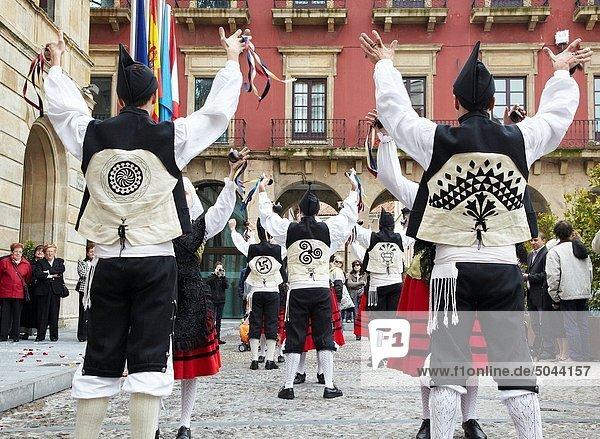 Volkstanz  Plaza Mayor - Madrid