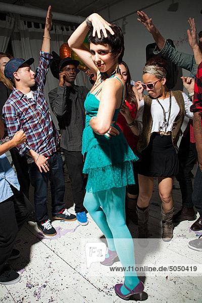 Frau Party grün tanzen Kleidung Kleid