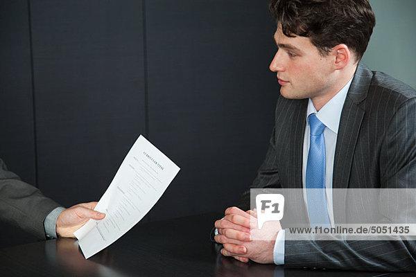 Geschäftsmann im Vorstellungsgespräch