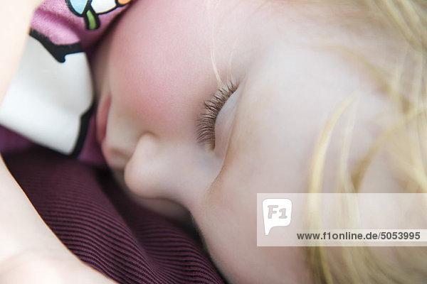 Baby Mädchen schlafend  Nahaufnahme