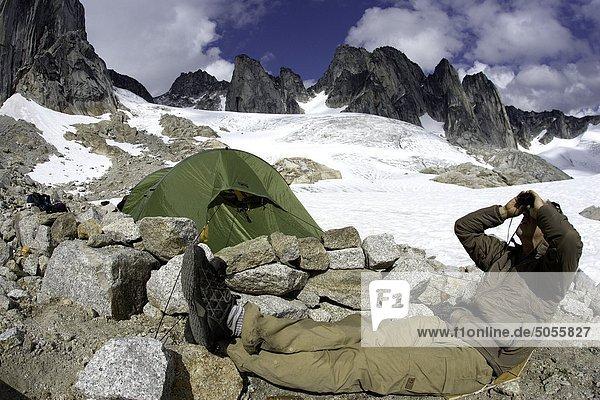Basislager am Howser Spire oder Howser Spire-massiv  ist eine Gruppe von drei unterschiedlichen Granit-Gipfel und ist der höchste Berg der Bugaboo-Türme