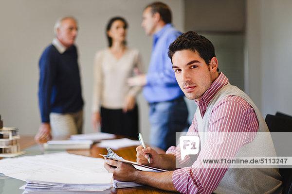 Geschäftsmann  Besuch  Treffen  trifft  vorlesen