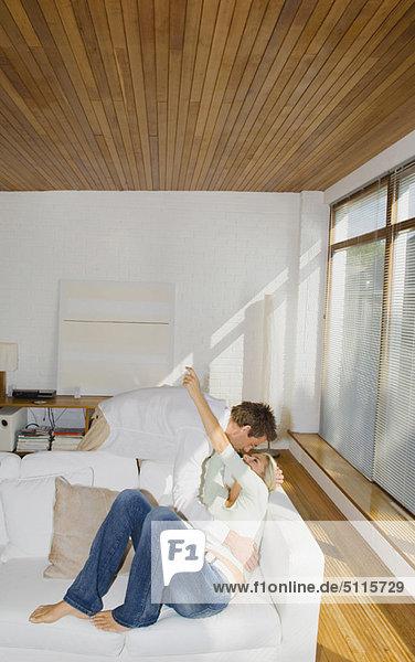 Couch  umarmen