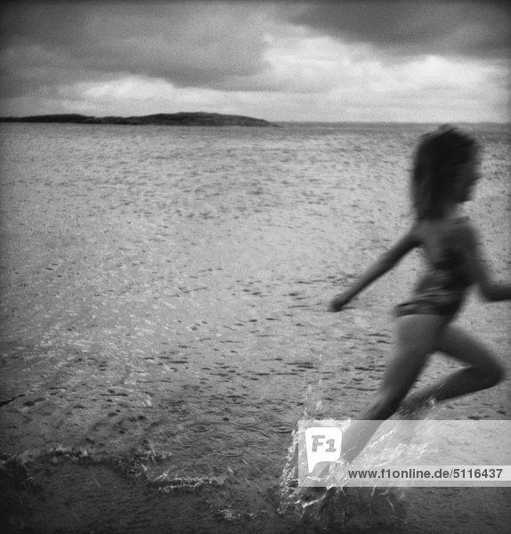 Mädchen unter Wasser  Schweden