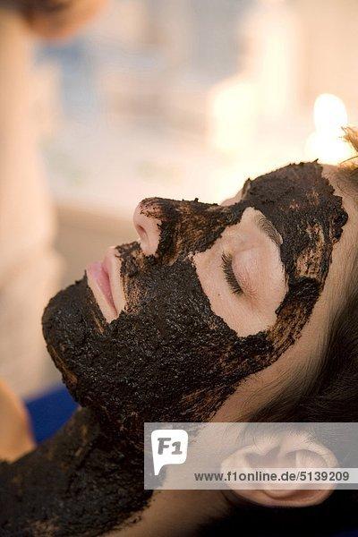 Frau Gesichtsmaske Maske Torf