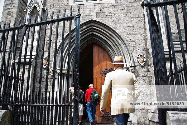 Dublin  Hauptstadt  Kirche  Kathedrale  Heiligtum  2  Sprache  Irland  irisch