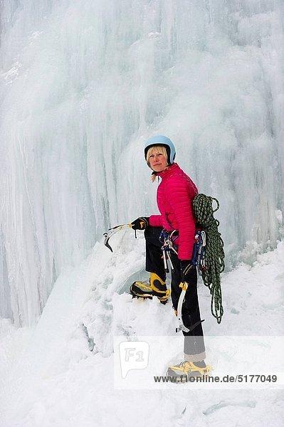 Eis  Wasserfall  Klettern  gefroren