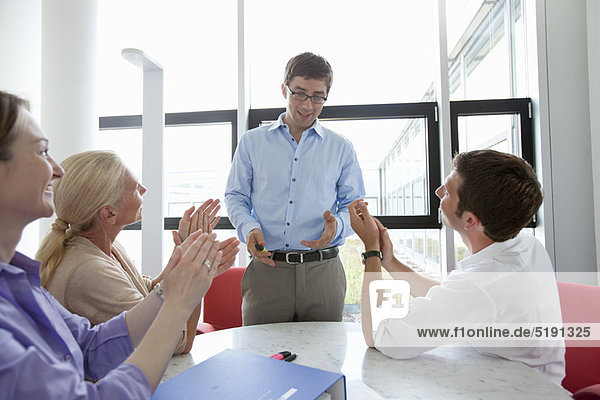 Mensch  Kollege  Menschen  klatschen  Business