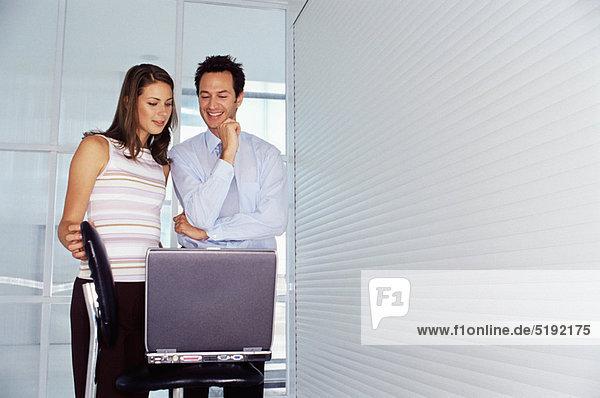 benutzen  Mensch  Notebook  Büro  Menschen  Business