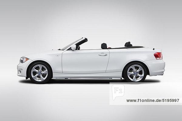2012 BMW 1er 128i in weiß - Treiber-Seitenansicht