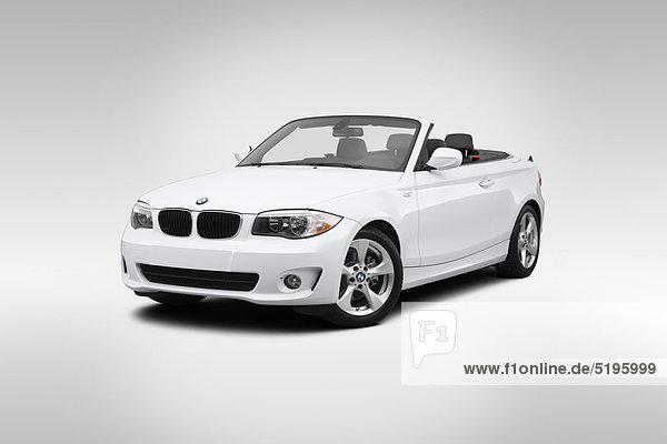 weiß frontal Ansicht Flachwinkelansicht BMW Winkel