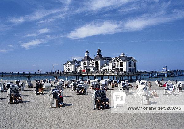 Sellin  Seebrücke  Strand  Mecklenburg-Vorpommern  Deutschland