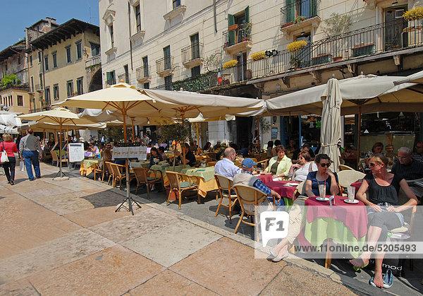 Italien  Region Venetien Verona  Piazza Delle Erbe