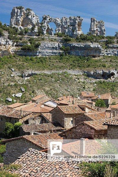 Steilküste Fluss Dorf Burgos Schlucht Spanien