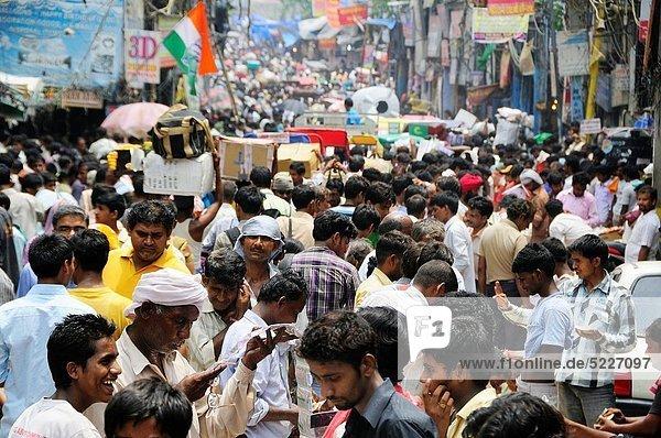 Delhi  Hauptstadt  Farbaufnahme  Farbe  Mensch  Menschen  Straße  kaufen  verkaufen  Festival  voll  alt  Woche