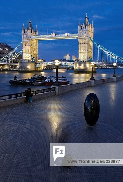 Europa  Großbritannien  London  Hauptstadt  England  Tower Bridge