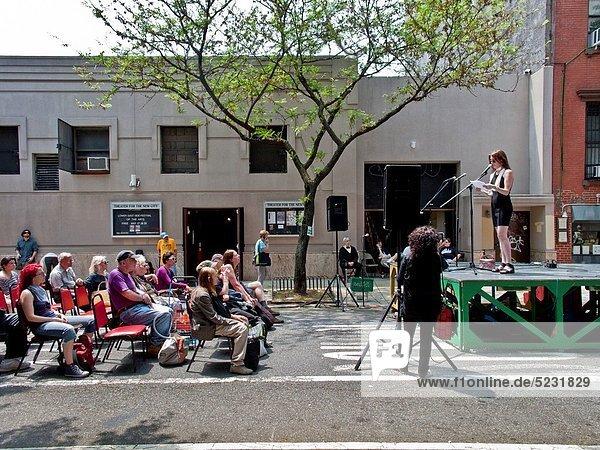 Frau  New York City  lesen  offen  Kunst  Publikum  Himmel  Original  Festival  Manhattan  Gedicht