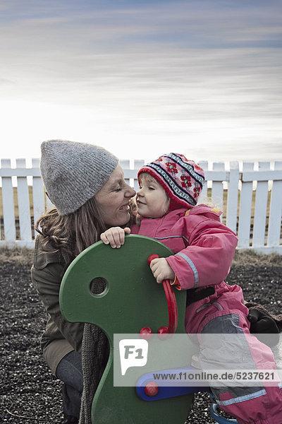 Spielplatz  Tochter  Mutter - Mensch
