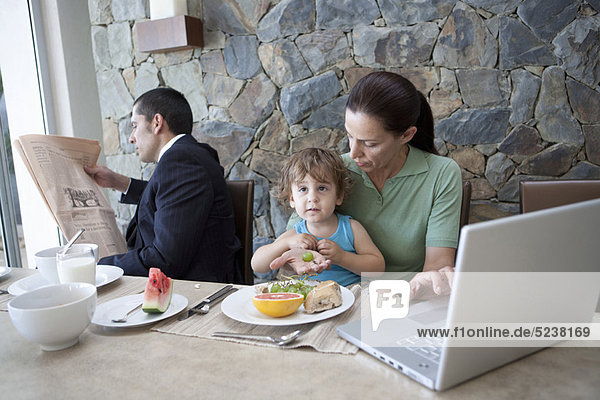 arbeiten  Tisch  Frühstück