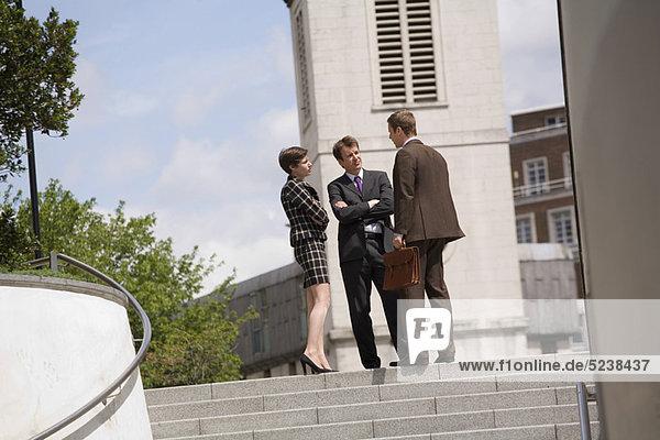 sprechen  Mensch  Menschen  Business  Innenhof  Hof