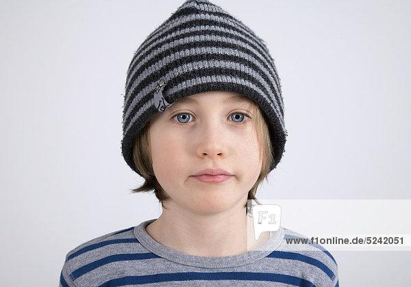 Kleiner Junge mit Mütze  Porträt