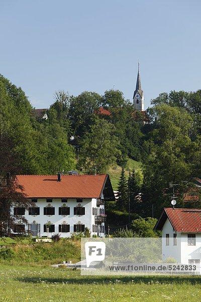 Deutschland  Bayern  Oberbayern  Mangfalltal  Talschaft  Ansicht der Häuser in Hohendilching