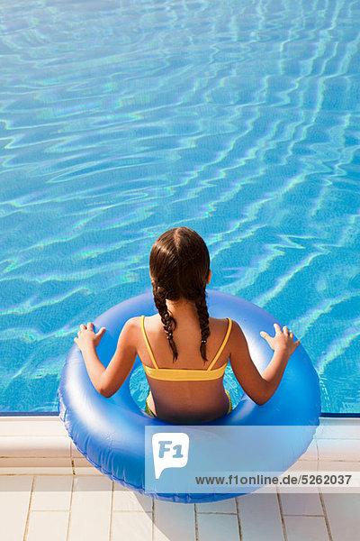 aufblasen Schwimmbad Mädchen klingeln