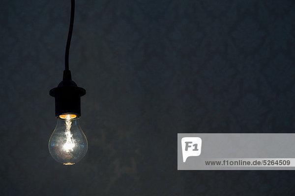 Beleuchtete Glühbirne