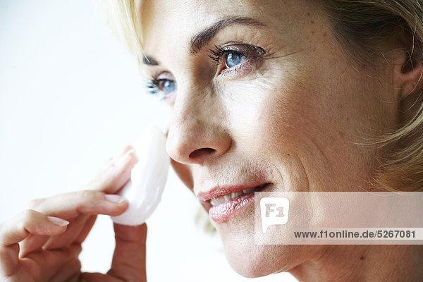Frau Reinigung Close-up reifer Erwachsene reife Erwachsene