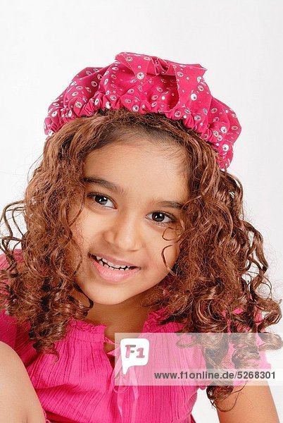 Portrait of young girl MR719D