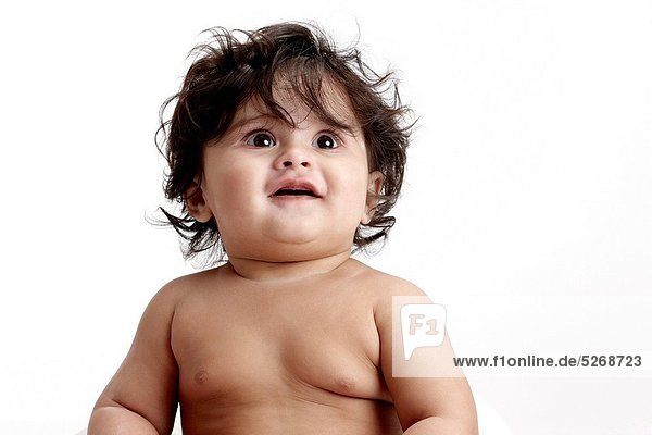 Fröhlichkeit sehen über Freier Oberkörper nackt Mädchen Baby