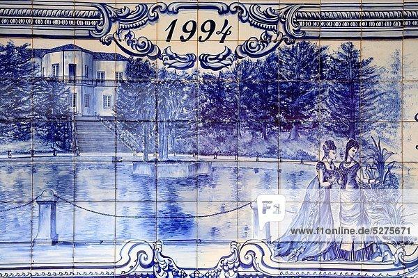 Detail  Details  Ausschnitt  Ausschnitte  Wandbild  Wärme  Zeichnung  Azoren  Azulejo  viktorianisch Detail, Details, Ausschnitt, Ausschnitte ,Wandbild ,Wärme ,Zeichnung ,Azoren ,Azulejo ,viktorianisch