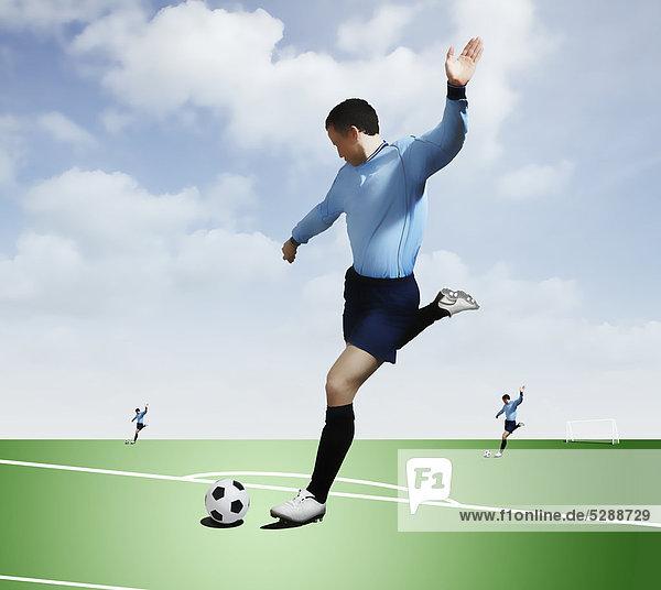 Spielfeld Sportfeld Sportfelder Mann treten Fußball Ball Spielzeug