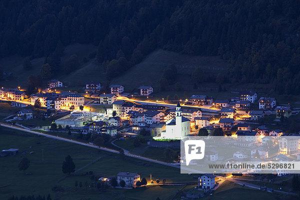 San Sebastiano bei Nacht  Folgaria  Trentino  Italien  Europa